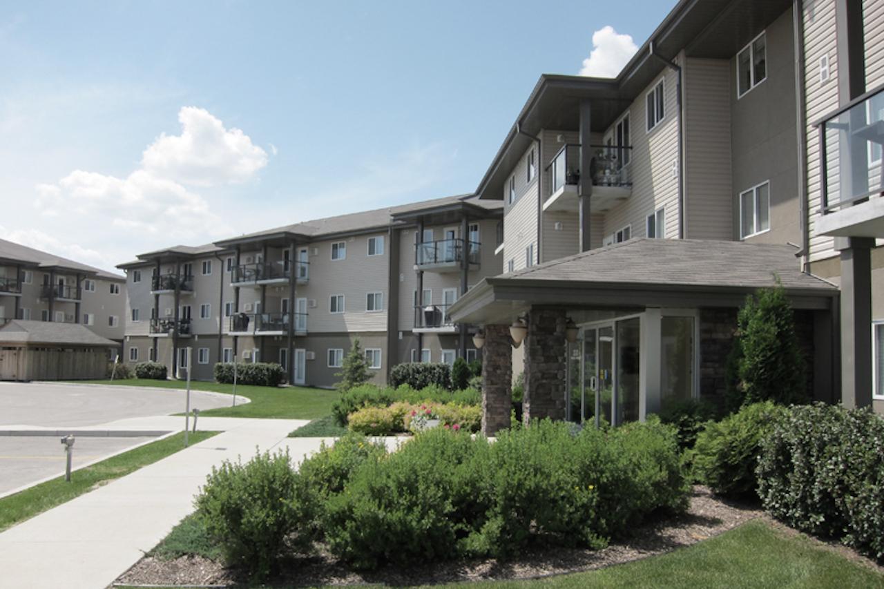 Kenwood Court Apartments